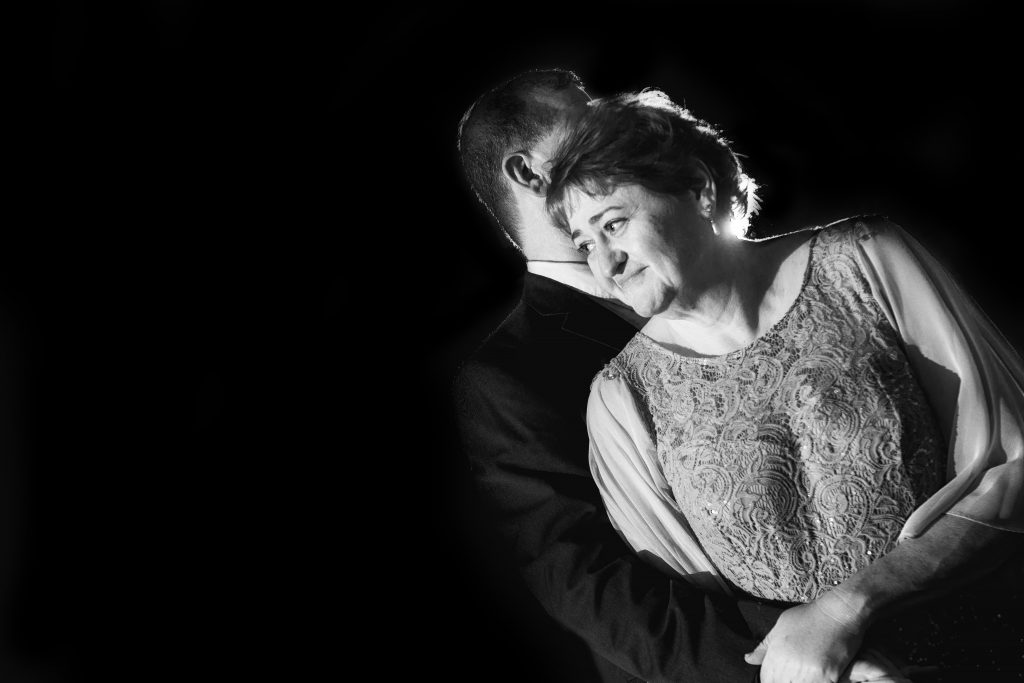 toledo wedding, black and white, impulse studio, toledo wedding and portrait photographers, photography photo studio